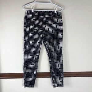 GAP slim cropped black and white Polkadot pants 4